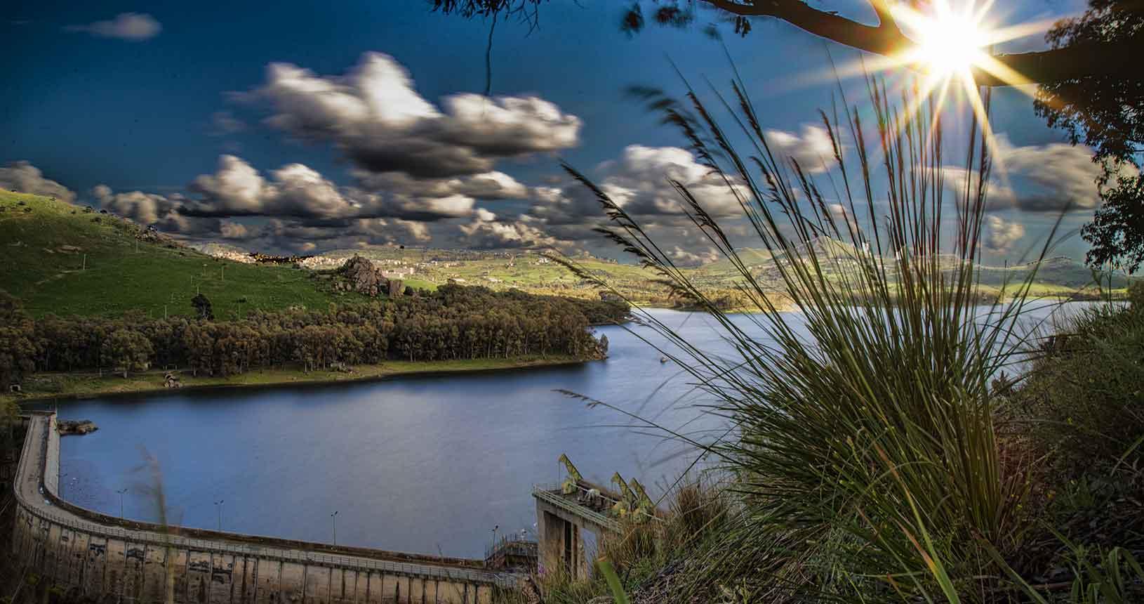Il muro della Diga al Lago Pozzillo