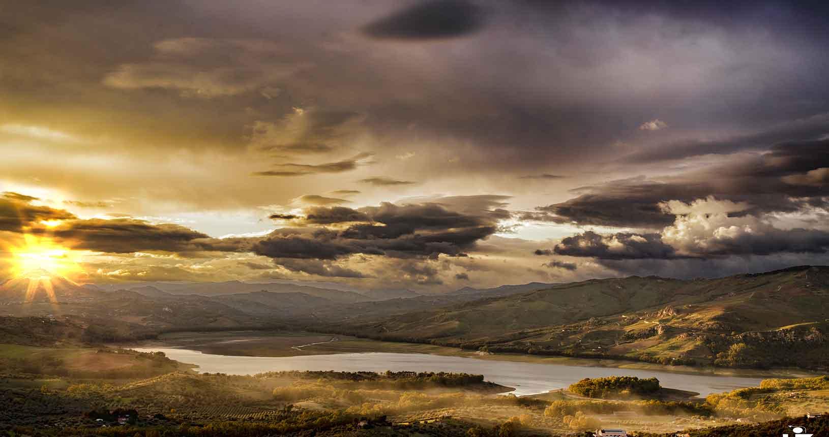 Lago Pozzillo al tramonto